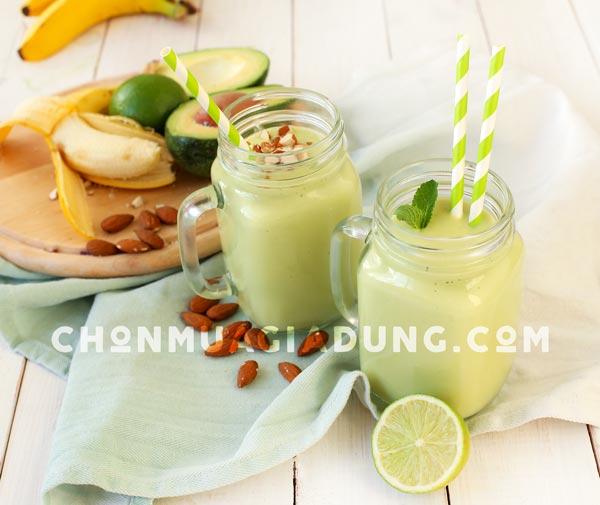 smoothie-chuoi-bo-bang-may-xay-sinh-to